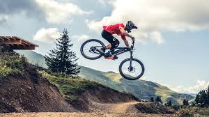 MOUNTAINBIKE/DOWNHILL
